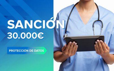 Sanción de 30.000€ por compartir la historia clínica de un paciente con su Mutua laboral